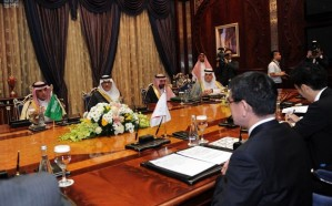 الجبير يعقد جلسة مباحثات ثنائية مع وزير خارجية اليابان