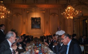 مندوب المملكة الدائم لدى اليونيسكو يقيم حفل عشاء تكريمًا لوزير التعليم