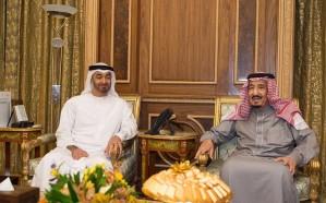 خادم الحرمين يلتقي ولي عهد أبو ظبي ويبحثان تطورات الأوضاع في المنطقة