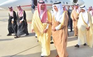 وزير الداخلية يستقبل وزير داخلية مملكة البحرين