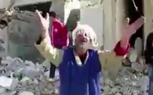 بعد حرق النساء والأطفال في حلب.. مسن يصرخ .. منازلنا كلها تدمرت #حلب_تباد