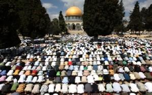 الرئيس الفلسطيني: صلاة الظهر اليوم ستتم داخل الأقصى