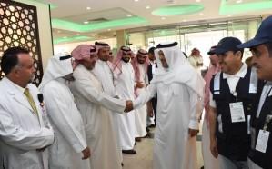 بالصور: محافظ الطائف يتفقد مرضى مستشفى الملك عبدالعزيز التخصصي