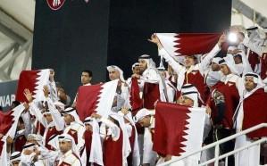 فيديو: 200 ريال ثمن التشجيع.. قطر تملأ المدرجات بجماهير وهمية