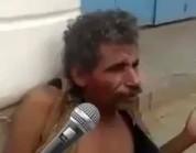 شاهد.. رجل يطالب بحقوق المجانين