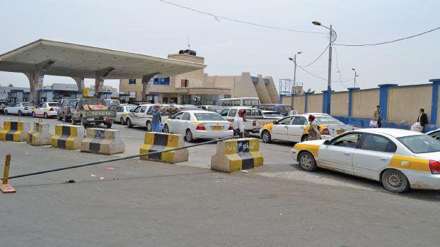 شاهد.. زحام شديد عند محطات الوقود في أصفهان