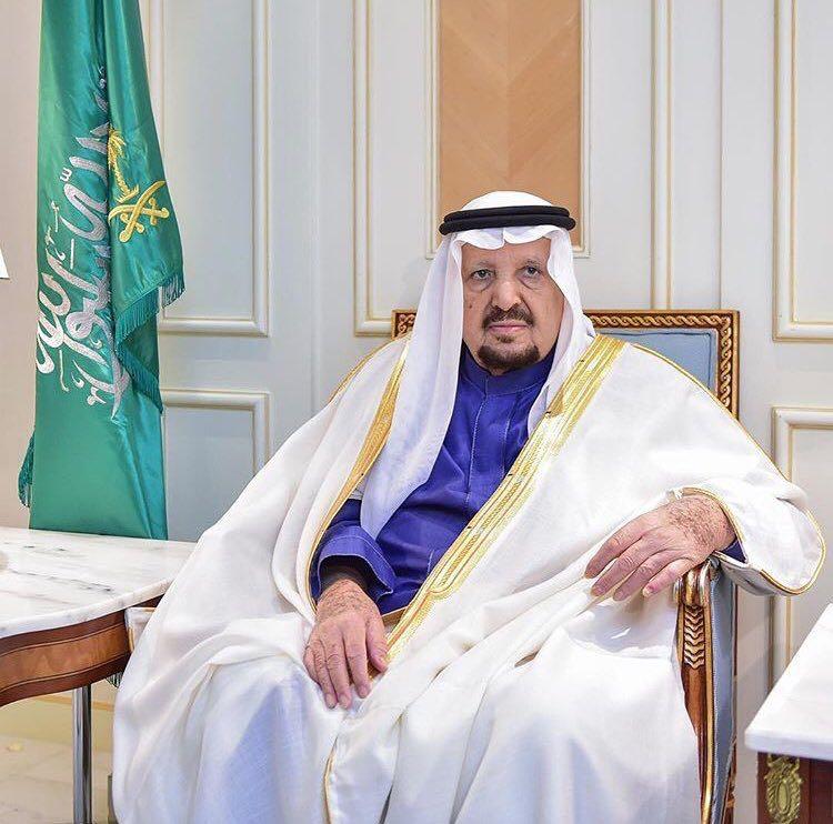 شاهد ..الأمير عبدالرحمن بن عبدالعزيز آل سعود يروي أحاديث فضل الدعاء آخر الليل