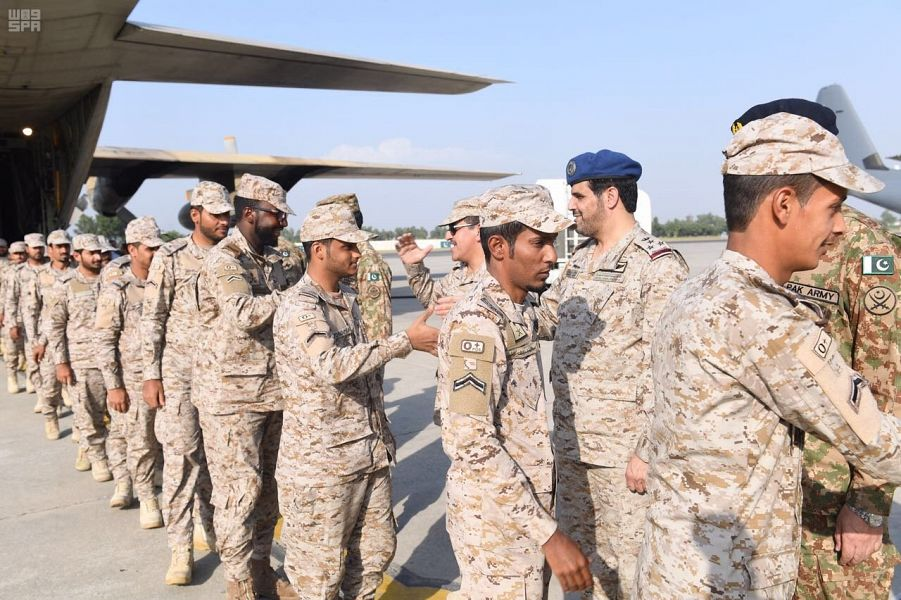 """القوات البرية المشاركة في تمرين """"الصمصام 6"""" تصل باكستان"""