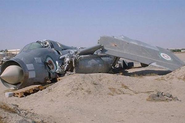 سقوط طائرة عسكرية أمريكية بمطار البحرين.. والسلطات تعلن عودة الرحلات
