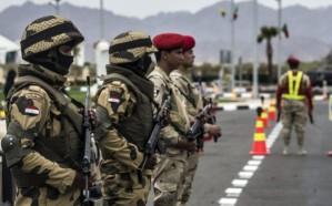 الجيش المصري يدمر 10 سيارات محملة بالأسلحة في الحدود الغربية للبلاد