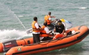 إنقاذ سيدة وابنها من الغرق بأحد شواطئ موسم جازان