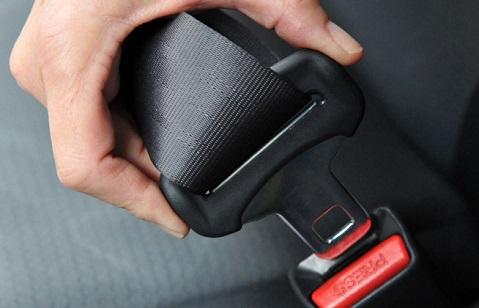 شاهد.. أهمية حزام الأمان